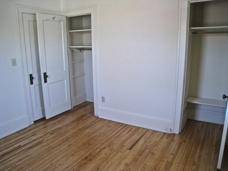 PRT.bed 1 closets